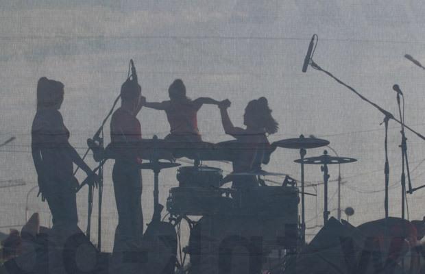 Артисты на сцене